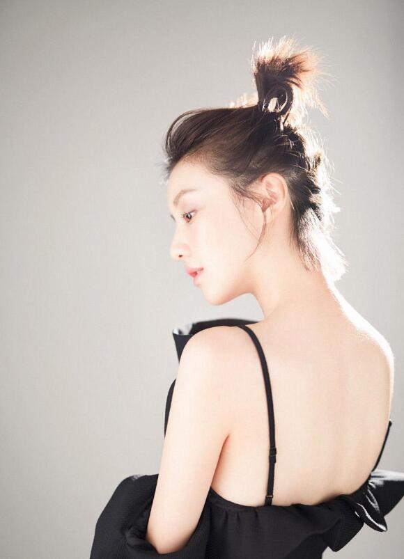 【蜗牛棋牌】王鹤润 内地高颜值女星美照分享及个人资料