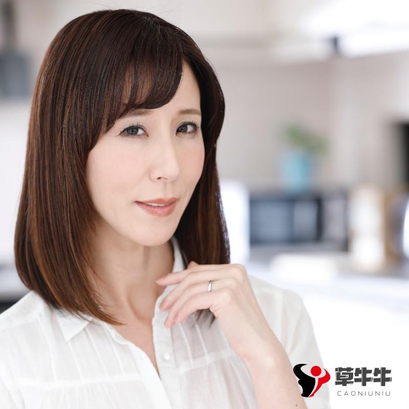 【蜗牛棋牌】熟女界影后级别的存在,直到今天都还是发片神器,泽村玲子(Honami Takasaka)