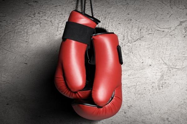 【蜗牛棋牌】大话德州扑克:拳击和扑克的共同点
