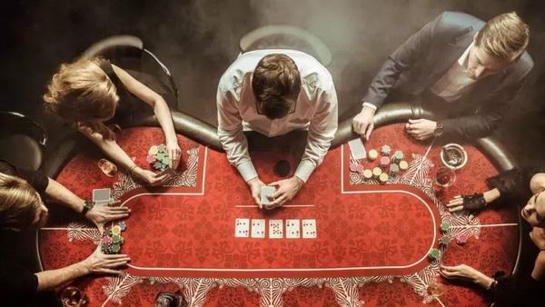 【蜗牛棋牌】德州扑克这5点暗示着对手【牌力弱】