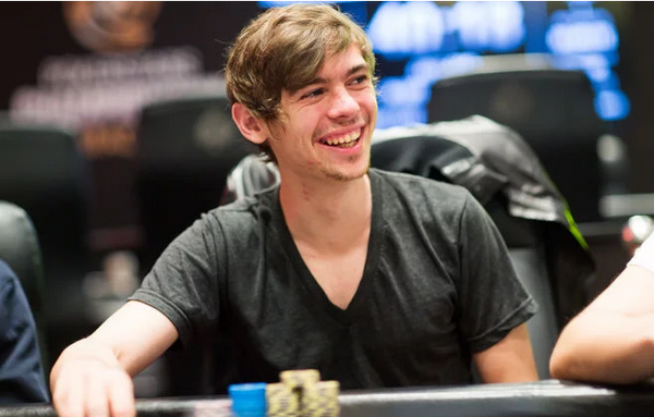【蜗牛棋牌】Fedor Holz强调反思在德州扑克中的重要性