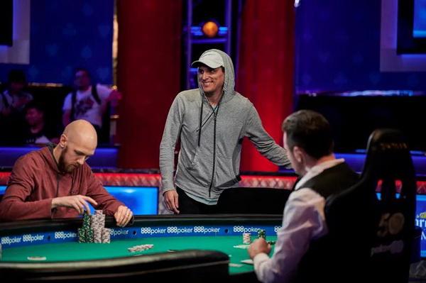 【蜗牛棋牌】职业选手谈即将到来的300万美元单挑赛,及融入私人游戏的方式