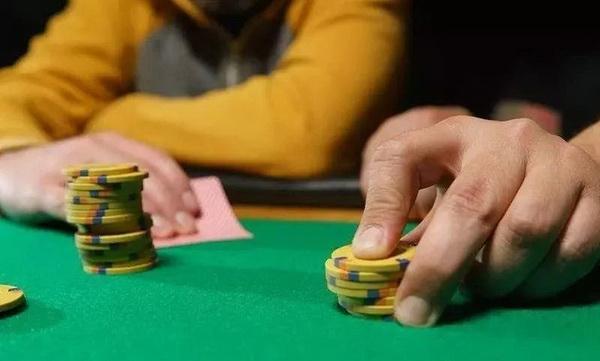 【蜗牛棋牌】德州扑克你可能没有试过的走出下风期的方法