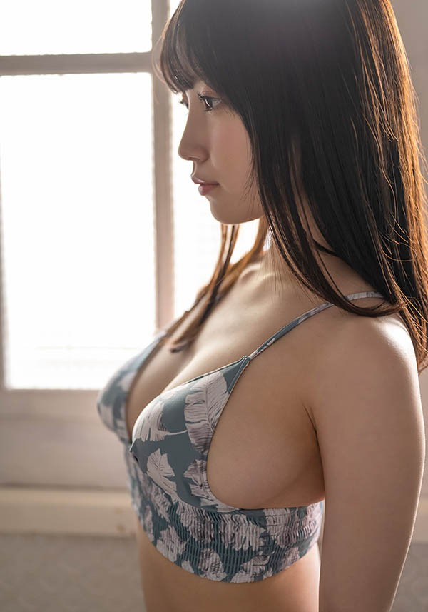 "【蜗牛棋牌】SOD史上最小只新人!147公分G奶正妹""朝田ひまり"",舔一下就有猛烈反应!"