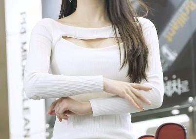 【蜗牛棋牌】韩国车模李佳恩Lee Gaeun车展直拍20200401