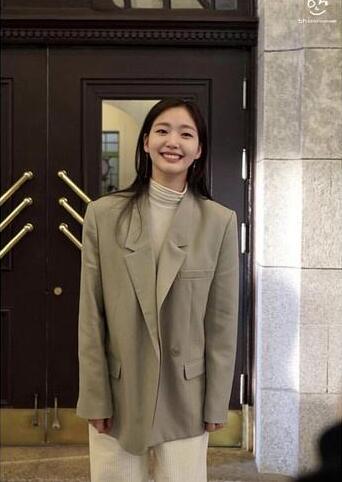 【蜗牛棋牌】金高银 亲民气质韩国女星美图鉴赏及个人资料