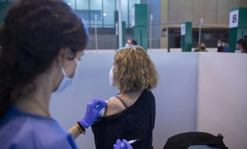 【蜗牛棋牌】西班牙超1000万人至少接种一剂新冠疫苗