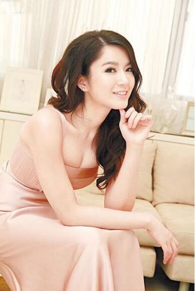 【蜗牛棋牌】苟芸慧 多伦多华裔小姐冠军美照分享及个人资料