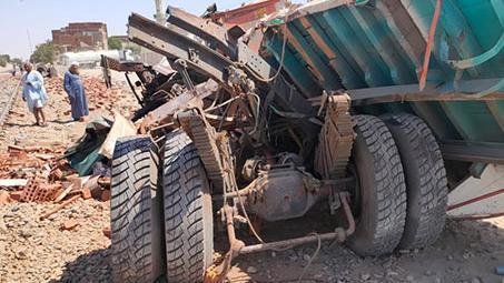 【蜗牛棋牌】埃及苏伊士省一货车同火车相撞致1死2伤