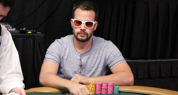 【蜗牛棋牌】德州扑克如何提高自己的扑克水平