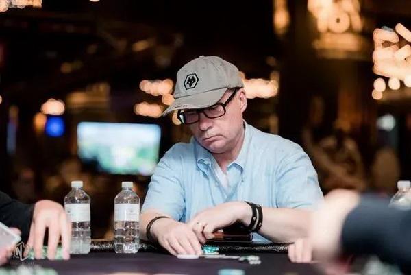【蜗牛棋牌】德州扑克作为一个牌手,你要明白什么时候该打、该弃牌