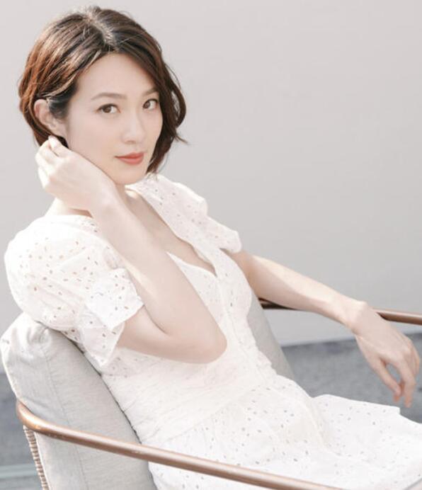 【蜗牛棋牌】蔡洁 墨尔本华裔小姐竞选冠军美照鉴赏
