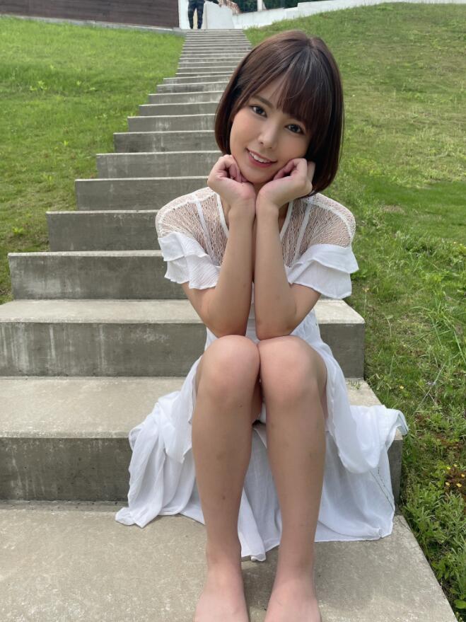 【蜗牛棋牌】本田乃夜(本田のえる,Honda-Noeru)KMHRS-045:没有自信美少女靠为爱鼓掌让自己进化!