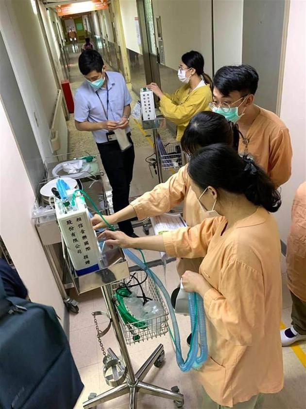 【蜗牛棋牌】五月天捐66台呼吸器给医院 相信音乐:尽微薄之力