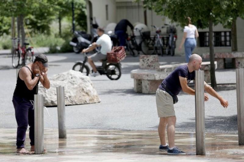 【蜗牛棋牌】热浪侵袭 阿尔巴尼亚未来两日气温峰值将达41摄氏度