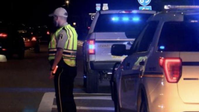 【蜗牛棋牌】美国亚拉巴马州一公路发生交通事故 致10人丧生