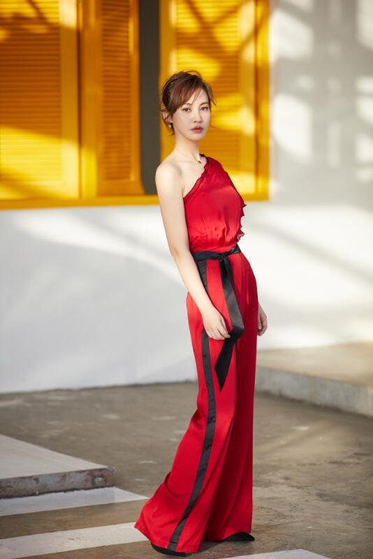 【蜗牛棋牌】杨雪 第11届电影频道传媒大奖最佳新人女演员美照鉴赏