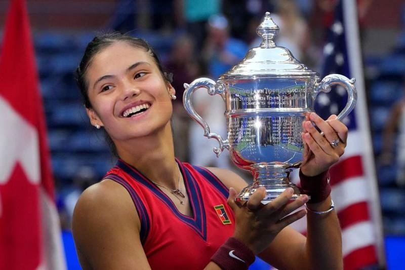 【蜗牛棋牌】新科美网女单冠军拉杜卡努的成功秘诀:多元运动